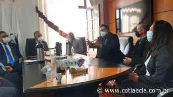 Sindicato dos Bancários quer prioridade na vacinação contra Covid-19 em Cotia - Cotia e Cia