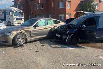 Gewonde bij ongeval aan kruispunt in Riemst - Het Nieuwsblad