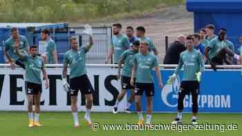 Schalke: Start ins Training mit Terodde, Latza und rund 400 Fans