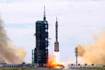 Chinese crewed spaceship docks with new space station - Powell River Peak