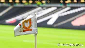 MK Dons complete signing of Argentine goalkeeper Franco Ravizzoli