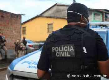Capela do Alto Alegre: Homem é preso após agredir e sequestrar namorada de 16 anos - Voz da Bahia