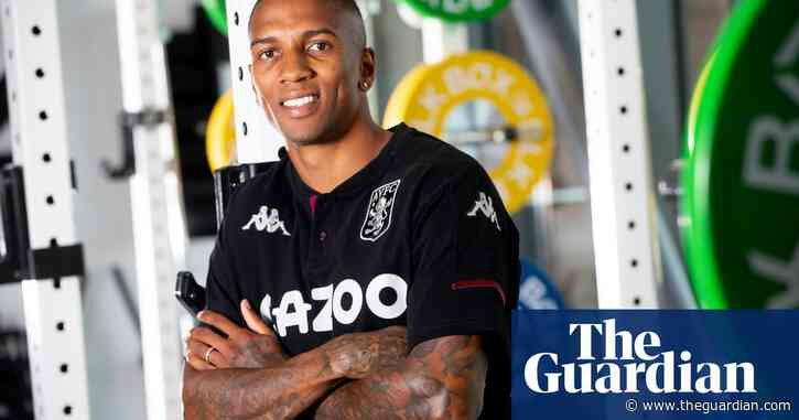 Ashley Young returns to Aston Villa on free transfer from Internazionale