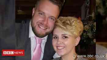 Covid-19: Wedding uncertainty after restrictions extended