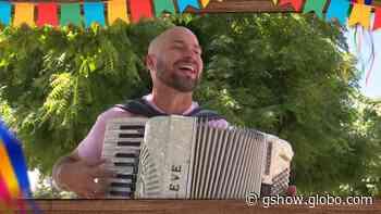 Sanfoneiro Elisson Castro anima a live do dia 18 com muito forró - gshow