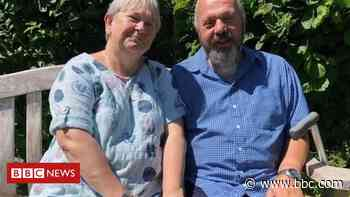 Coronavirus: Dover man comes home after 147 days in hospital - BBC News