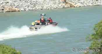 3 rescued from Calgary's Bow River after being thrown from raft
