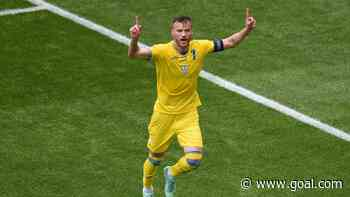 'Get in touch with me!' - Yarmolenko pokes fun at Ronaldo by showing off Coca-Cola and Heineken bottles