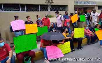 Protestan trabajadores del Ayuntamiento de Chilpancingo en el Palacio Municipal - El Sol de Acapulco