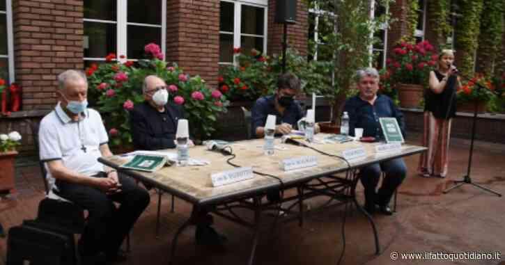 'Preti verdi', la presentazione al Festival della Resilienza: rivedi la diretta con l'autore Mario Lancisi, don Scalmana, don Bizzotto e Diego Pretini