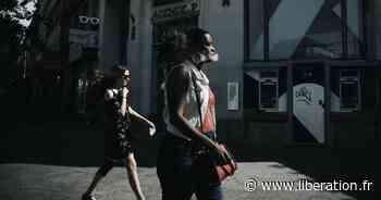 Dans les rues de Paris sans masque, «une vraie libération» - Libération