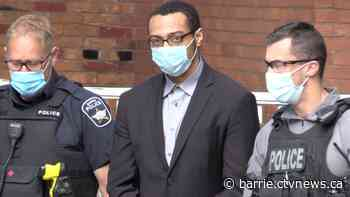 Accused murderer 'annihilated' Barrie, Ont. father and son: Crown says