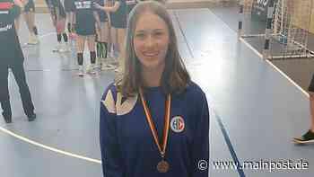 Lotte Rothaug freut sich riesig über ihre Bronzemedaille - Main-Post