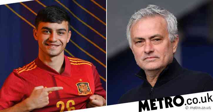 Jose Mourinho likens Chelsea youngster Billy Gilmour to Barcelona's Pedri and calls for him to start for Scotland vs England
