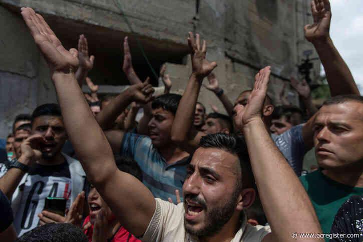 Israel strikes Gaza after Hamas sends incendiary balloons