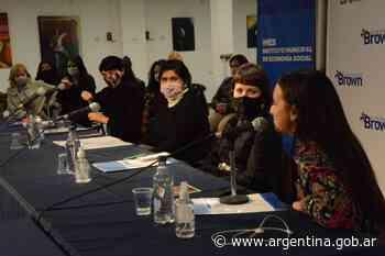 Mercedes D'Alessandro participó en un conversatorio sobre gestión menstrual en Almirante Brown - Argentina.gob.ar Presidencia de la Nación
