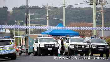 Police investigators remain on scene of alleged Ulverstone murder - The Advocate