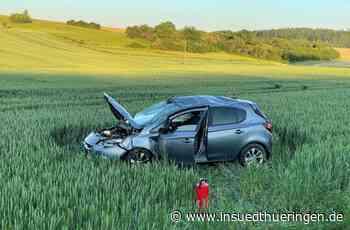 Schwerer Unfall bei Veilsdorf - Auto überschlägt - Frau schwer verletzt - inSüdthüringen