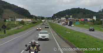 Colisão envolvendo duas carretas interdita BR-101 em Araquari BR-101 Araquari - Mobilidade Floripa