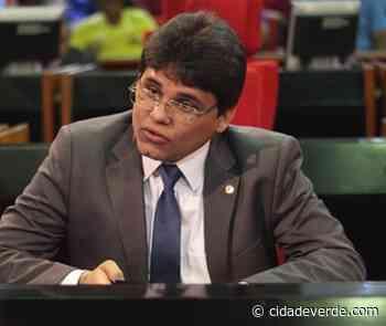 Homens insultam deputado Oliveira Neto e são retirados de gabinete por seguranças - Lídia Brito - Cidadeverde.com