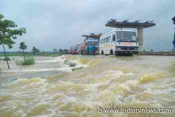 Flood alert sounded in Bihar as rivers swell, thousands evacuated - India TV News
