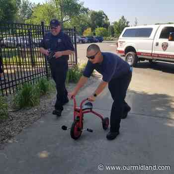 Midland Firefighters Youth Foundation donates tricycles and sun tents for Greater Midland youth programming - Midland Daily News