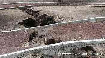 Aparece grieta en Celaya; vecinos temen que siga creciendo - Excélsior