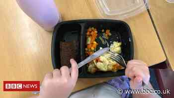 Free school meals: Poorer pupils miss out in funding change, say unions