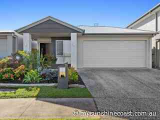 33 Pearl Crescent, Caloundra West, Queensland 4551   Caloundra - 27989. - My Sunshine Coast
