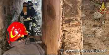 Incendio di una vecchia abitazione a Barcellona Pozzo di Gotto (Me) - Ilmetropolitano.it - ilMetropolitano.it