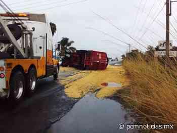 Se vuelca remolque y afecta vialidad en carretera en Vista Hermosa - PCM Noticias