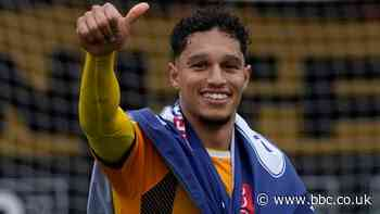 Kyle Knoyle: Doncaster Rovers sign Cambridge United right-back
