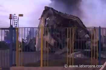Siniestro Incendio afecta fábrica de espuma en la comuna de Lampa - La Tercera