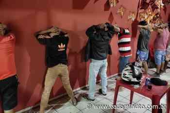 Bar gera aglomeração e é fechado pela policia em Arapiraca - Cada Minuto