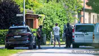 Polizei sucht 52-jährigen Täter : Zwei Tote nach Schüssen in Espelkamp - n-tv NACHRICHTEN