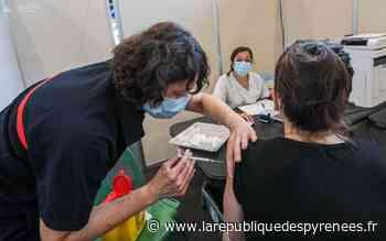 Vaccinodrome de Pau : une liste d'attente pour les doses du soir - La République des Pyrénées