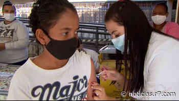 Justiça suspende a vacinação de adolescentes contra a covid-19 em Betim (MG) - HORA 7