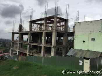 Demolido en Pereira edificio sin licencia de construcción - Eje21