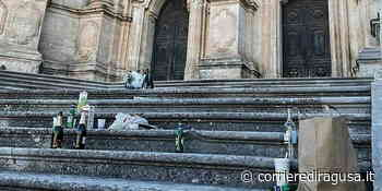 Gli zozzoni della notte prima degli esami sporcano S. Giorgio - Modica - CorrierediRagusa.it