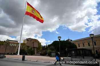 Spain to scrap mandatory outdoor masks from 26 June