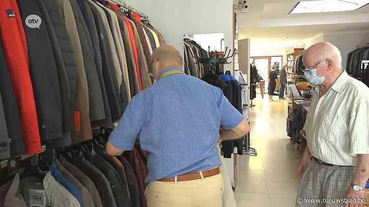 """Bekende Deurnese kledingzaak sluit de deuren: """"Een schoon kostuum blijft een schoon kostuum"""""""