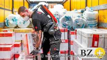 So sollen Exoskelette beim Schleppen von Paketen helfen