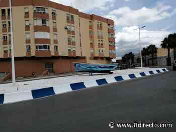 Una barca decorada por el IES Antonio Machado adorna la rotonda de la calle Ter - 8directo - La Calle Real
