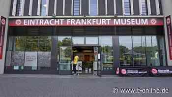 Eintracht Frankfurt: SGE startet Museums- und Stadionführungen - t-online.de