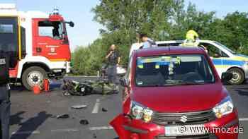 Verkehr Unfall: Motorrad kracht in Eberswalde gegen Auto – mit bösen Folgen - moz.de