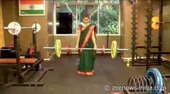 Superwoman in saree! Pune doctor does push-ups, lifts weight effortlessly in 9-yard outfit