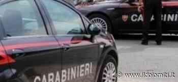 Il litigio per un gratta e vinci degenera e un uomo finisce accoltellato: ancora in fuga l'aggressore - il Dolomiti