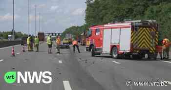Dodelijk ongeval op E19 in Edegem: auto botst volgens getuigen met hoge snelheid achteraan tegen vrachtwagen - VRT NWS