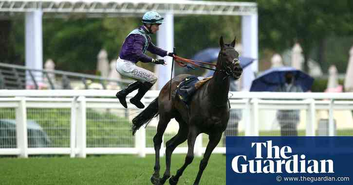 Oisin Murphy demoted then wins but is unseated on eventful Royal Ascot day