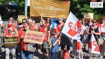 Landkreis Rostock: GEW demonstriert vor dem Kreistag für mehr Kita-Personal | svz.de - svz – Schweriner Volkszeitung